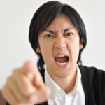 もう大丈夫!上司からの嫌味や無視が酷すぎて辛い時の5つの原因と対処法